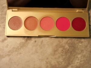 Makeup bag+urban decay+benefit cosmetics+NYX+ABH+Stila+SmashBox+concealer+eyeliner+mascara+GIMME brow+watt's up+eyeshadow+lipstick+lipgloss+lip topcoat